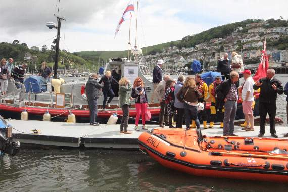 rnli-returns-to-dartmouth